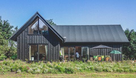 Nieuwbouw houten zomerhuis